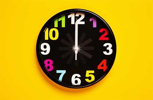 grande horloge noir
