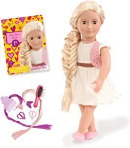 poupée blonde au long cheveux