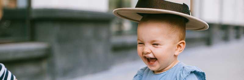 vêtement enfant avec chapeau